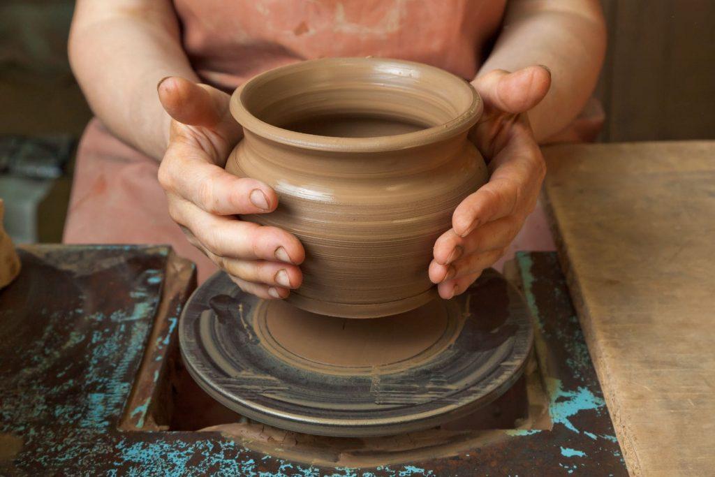 torno ceramico, torno para colorear, tornos para ceramica precios, maquina para modelar ceramica, torno barro, alfarerro, torno alfareria, torno para barro